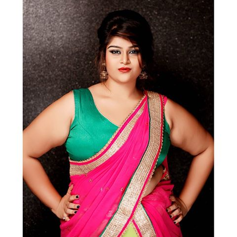 top plus size models in india modelling agencies mumbai. Black Bedroom Furniture Sets. Home Design Ideas
